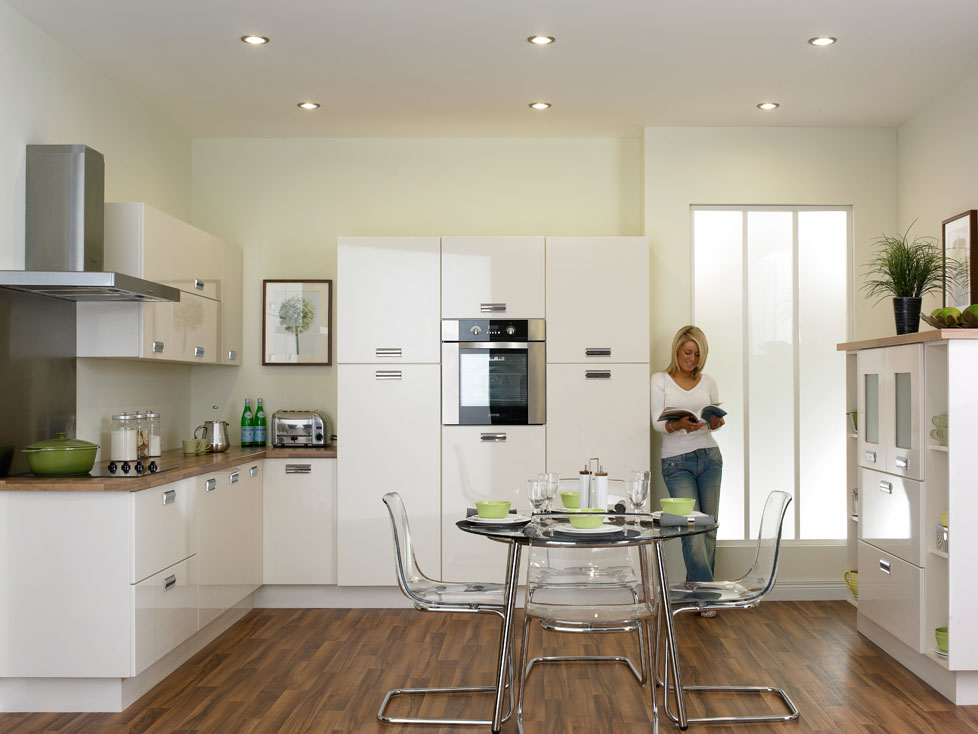 Duleek High Gloss Ivory Kitchen